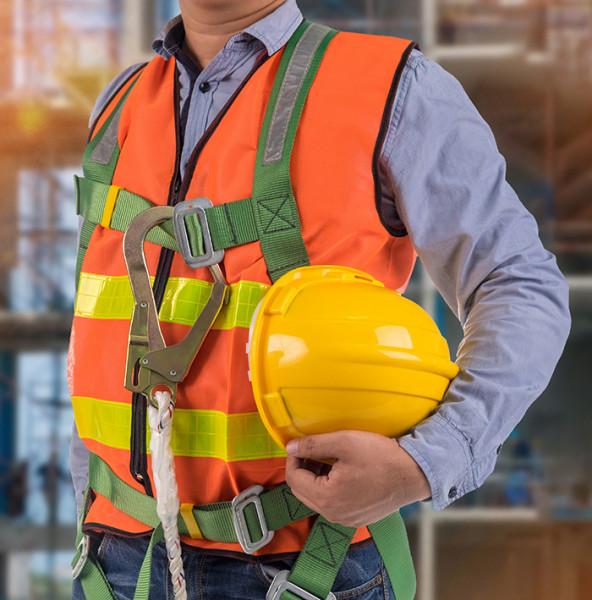 Sichern und Retten bei hochgelegenen Arbeitsplätzen